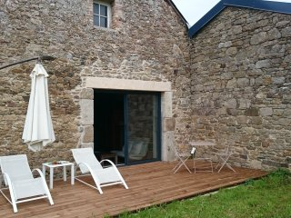 1 bedroom Farmhouse Barn with Internet Access in Saint-Coulomb - Saint-Coulomb vacation rentals