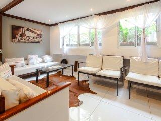 Beach Block Ipanema 3 bedroom Apartment - Rio de Janeiro vacation rentals