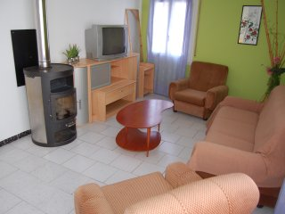 Offre ! Agréable appart. dans maison de 3 appart - El Port de la Selva vacation rentals