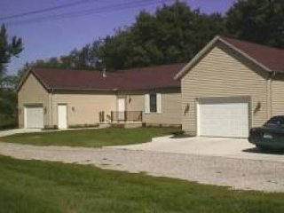 Canal Fulton Vacation Rentals Apartment - Canal Fulton vacation rentals
