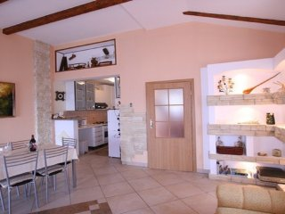 Beautiful 2 bedroom Silo Apartment with Internet Access - Silo vacation rentals