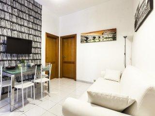 Domus Elelisa Apartment, Termini Monti - Rome vacation rentals