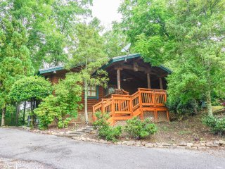 The Allure of This Den Await's You! - Sevierville vacation rentals