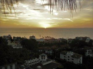Lovely 3-Bedroom Villa,  FREE Use of Ford Escape. - Puerto Vallarta vacation rentals
