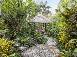 Beautiful property in quiet Balinese ricefields. - Ubud vacation rentals