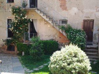 grazioso bilocale con terrazza - Magnano vacation rentals