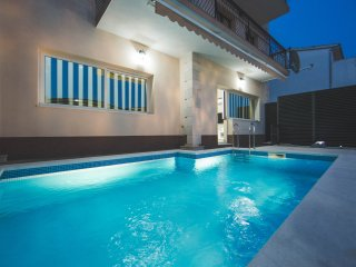Apartment with sea view and swimming pool - Stobrec vacation rentals