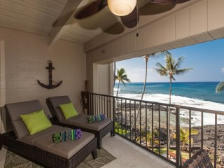 Oceanfront Top Floor Condo with Stunning View! - Kailua-Kona vacation rentals