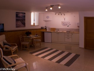 Self catering studio apartment for 2 adults. - Quarante vacation rentals