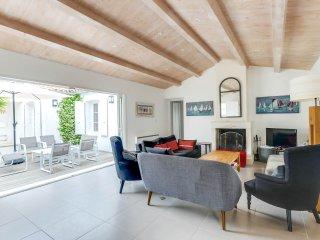 Welcoming family home near the beach - La Couarde vacation rentals