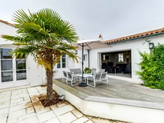 Pleasant family home near the beach - La Couarde vacation rentals