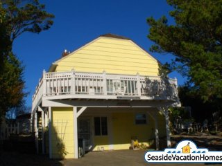 210 6th Ave - Near Ocean - 600ft to Beach - Seaside vacation rentals