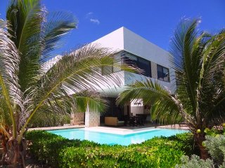 Perfect House with A/C and Garage in Chicxulub - Chicxulub vacation rentals
