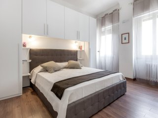 New and nice, centrally located, AC and WiFi- - Florence vacation rentals