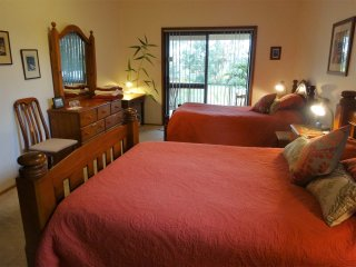 2 bedroom Bed and Breakfast with Internet Access in Raymond Terrace - Raymond Terrace vacation rentals