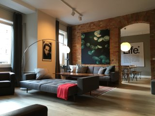 Fantastic Flat for 10! 4BR 3Bath - Berlin vacation rentals