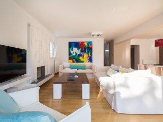 Nice 5 bedroom Villa in Lagonisi - Lagonisi vacation rentals