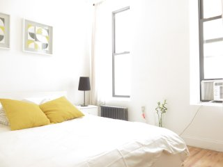 Stylish 2BR ★ Sleeps 6 ★ C.Park - New York City vacation rentals