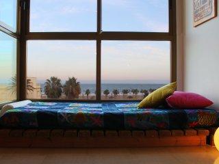 Bright light & Sea views - Valencia vacation rentals