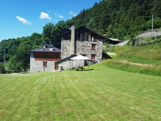 Gran baita country house nella natura - Vezza d'Oglio vacation rentals