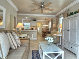 One Block to Beach and Pier in San Clemente's Pier Bowl! - San Clemente vacation rentals