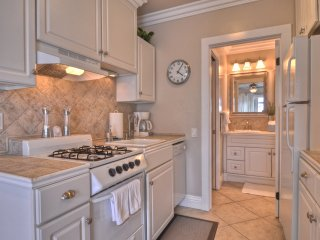 Adorable studio - walking distance to Beach, Pier and Restaurants! - San Clemente vacation rentals