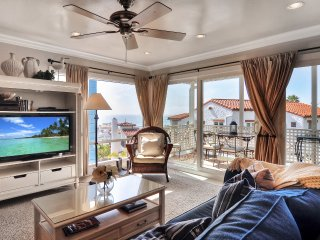 Jan Special $175/night! Pier Bowl Condo With Sweeping Ocean Views, One Block to Beach and Pier. - San Clemente vacation rentals