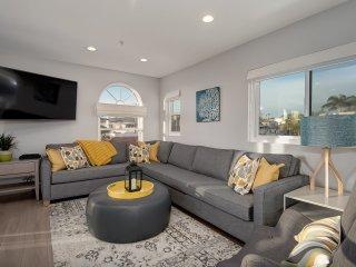 Modern Pier Bowl condo with ocean views! Walk to beach, pier, & restaurants! - San Clemente vacation rentals