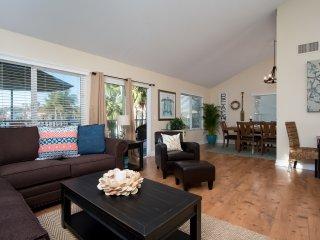 Spacious coastal condo, steps to beach access & restaurants at North Beach!! - San Clemente vacation rentals