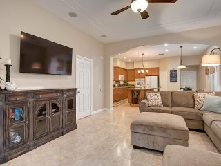 Feb-March Special $299/night! Spacious house, Just Blocks to Beach, Pier, & More! - Oceanside vacation rentals
