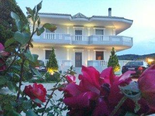VILLA NEFELI APARTMENT 2 - Loutraki vacation rentals