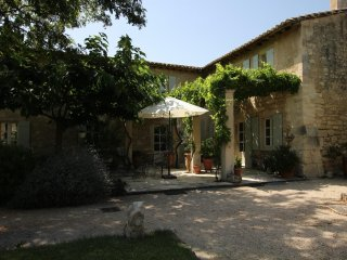4 bedroom Villa with Internet Access in Saint Etienne du Gres - Saint Etienne du Gres vacation rentals