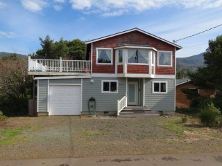 The Harvey's House in Nedonna Beach, 3BR, Sleeps 6 - Rockaway Beach vacation rentals
