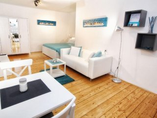 Central and Cozy Studio with FREE Parking - Rovinj vacation rentals