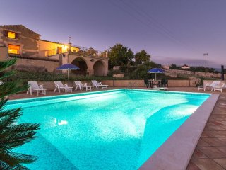 Diana, country villa with pool and panoramic view - Marina di Ragusa vacation rentals