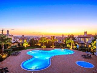 Beautiful 3 bedroom Almancil Townhouse with Internet Access - Almancil vacation rentals