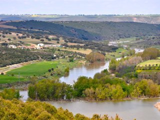Country House in Spectacular Natural Enviroment - Zamora vacation rentals