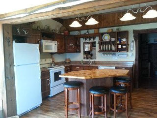 Comfortable House with Internet Access and A/C - Ferryville vacation rentals