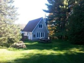 WATERFRONT - Beautiful cottage - Montreal vacation rentals