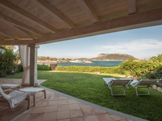 Luxury apartment in front of the sea, - Golfo Aranci vacation rentals
