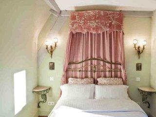 Les Suites Sarladaises - Le Caladrius - Sarlat-la-Canéda vacation rentals