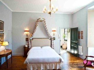 Les Suites Sarladaises - Le Phénix - Sarlat-la-Canéda vacation rentals