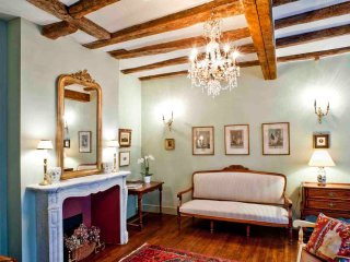Les Suites Sarladaises - La Licorne - Sarlat-la-Canéda vacation rentals