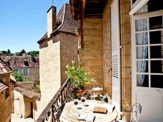 Les Suites Sarladaises - La Salamandre - Sarlat-la-Canéda vacation rentals