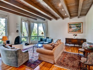 New Listing! Vibrant 4BR Santa Fe House w/Wifi, Jetted Tub & Gorgeous Mountain Views - Easy Access to Hiking & Art Galleries! - Santa Fe vacation rentals