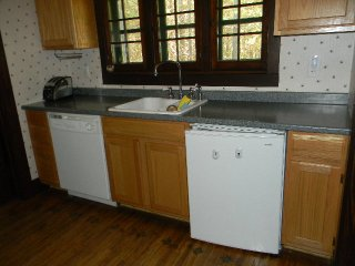 Charming House with Stove and Television - Thendara vacation rentals