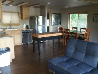 Nice 2 bedroom House in Hoodsport with Water Views - Hoodsport vacation rentals