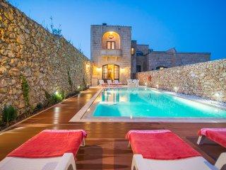 Four bedroom farmhouse with pool enjoying sea view - San Lawrenz vacation rentals