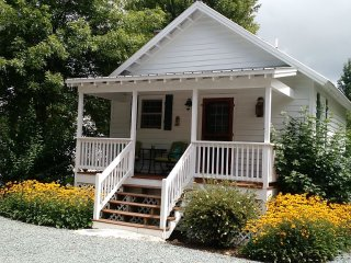 Cozy 1 bedroom Cottage in Boone with Internet Access - Boone vacation rentals