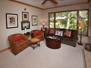 Enjoy true Ski-In Ski-Out from this beautiful vacation condo in Arrowhead Village. - Vail vacation rentals